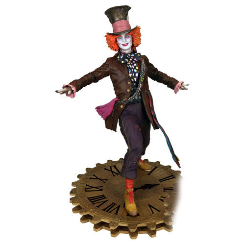 "Alice Through The Looking Glass PVC Gallery Statues - 9"" Mad Hatter"