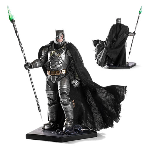 Iron Studios Art Scale 1/10 Statues - BVS Dawn Of Justice Movie - Battle Damaged Armored Batman